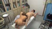Nonton Bokep Doctor Tricks Teen into Showing Pussy online